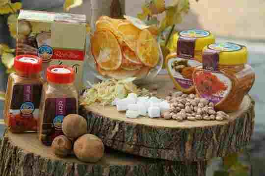 میوه خشک و عسل دارویی